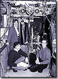 http://www.news.harvard.edu/gazette/1999/02.18/photos/physics.200x273.jpg