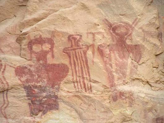 http://www.coasttocoastam.com/cimages/var/ezwebin_site/storage/images/coast-to-coast/repository/photos/ancient-alien-pictographs/467831-1-eng-US/Ancient-Alien-Pictographs_photo_medium.jpg